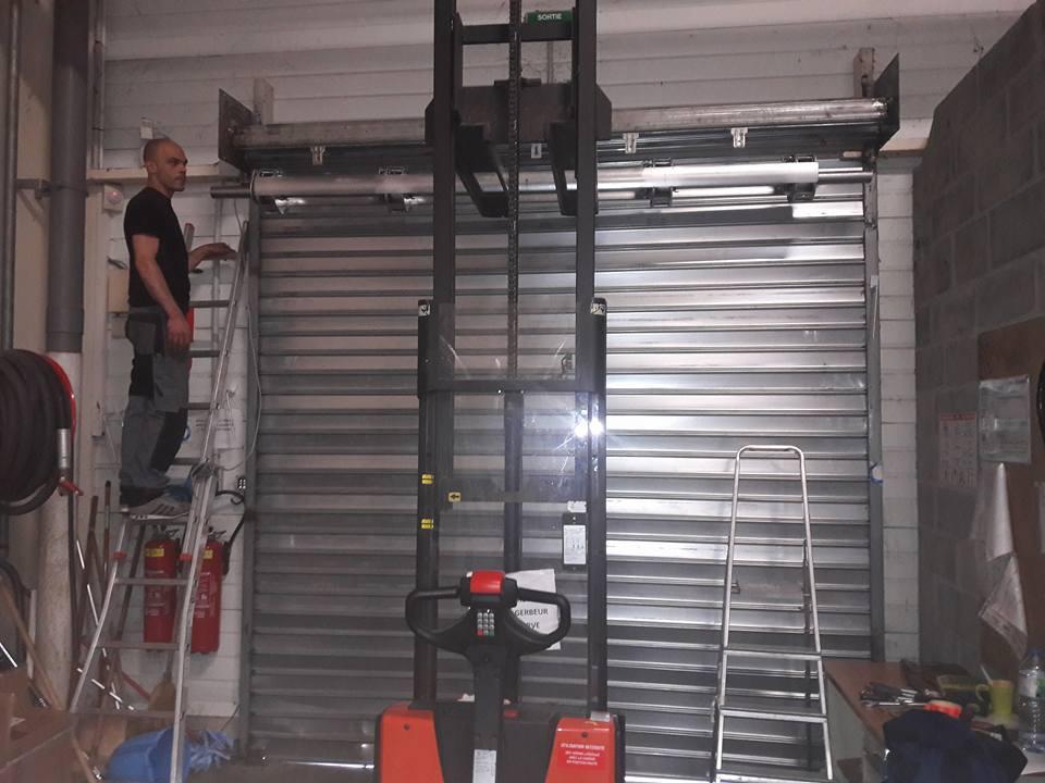 Comment installerun rideau métallique motorisé?