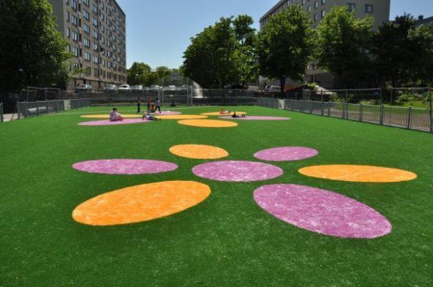 Pose et entretien d'une pelouse artificielle