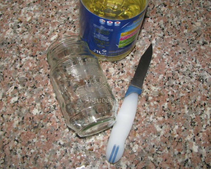 Comment enlever la colle d'une étiquette sur un pot en verre?