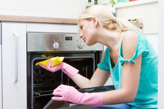 3 façons super faciles de nettoyer votre four