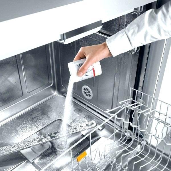 Comment nettoyer et détartrer votre lave-vaisselle ?
