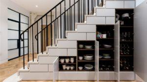 idee rangement sous escalier