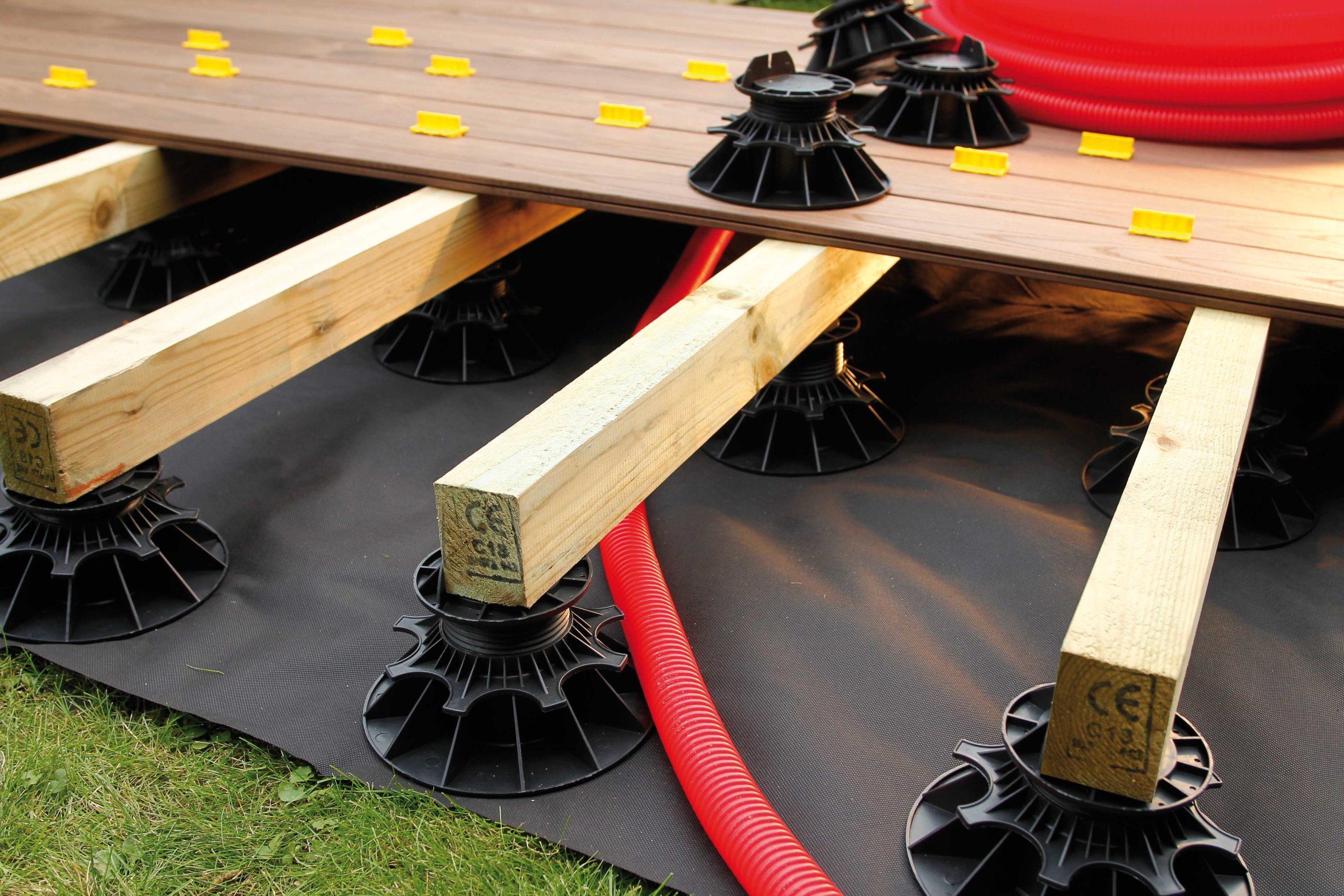 Le guide pour installer votre terrasse bois sur lambourdes