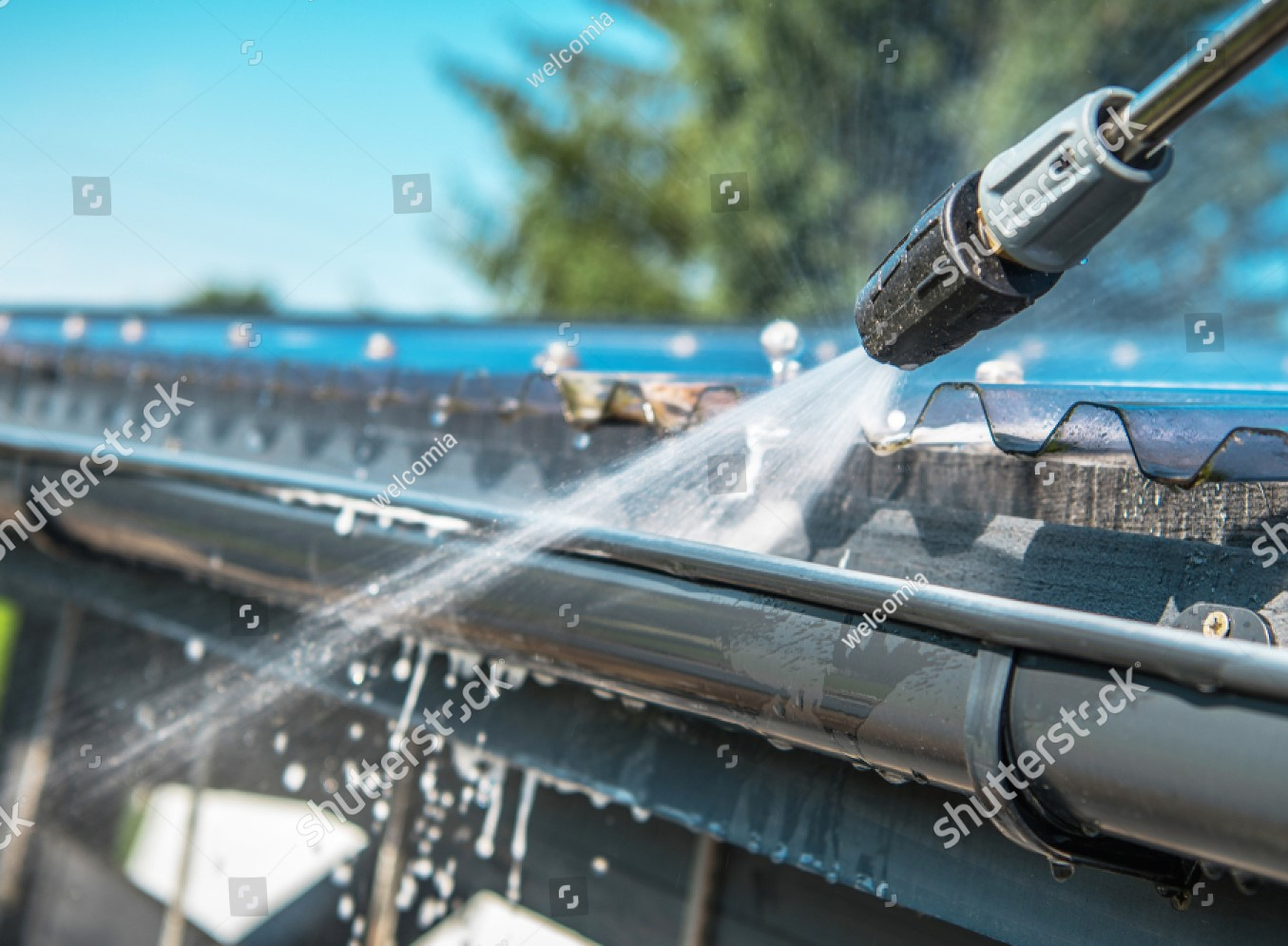 Quelles sont les étapes à suivre pour un bon nettoyage de toiture?