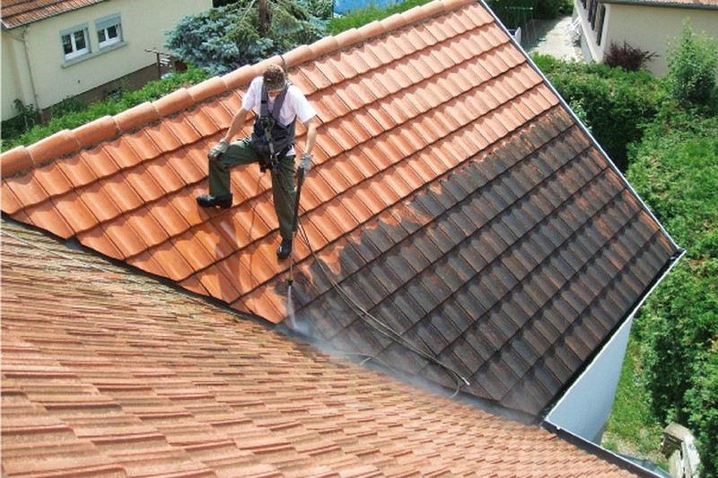 4 trucs pour identifier une fuite d'eau de votre toiture