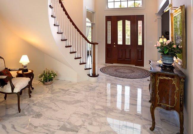 Comment assurer le nettoyage d'un sol en marbre